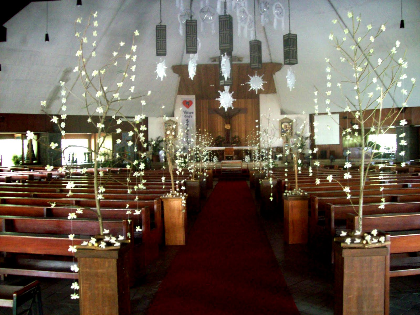 Decoracion de iglesia para bodas ideas espectaculares for Como blanquear cortinas