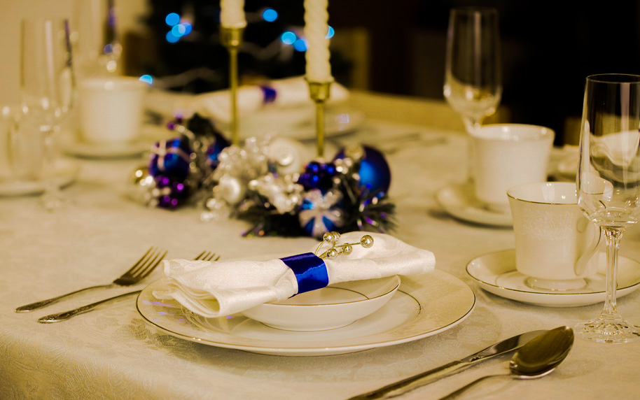 Como decorar la mesa en navidad tips originales - Decorar la mesa ...