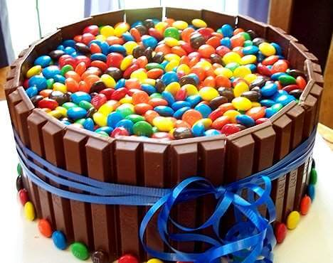 kit-kat-and-mm-birthday-cake