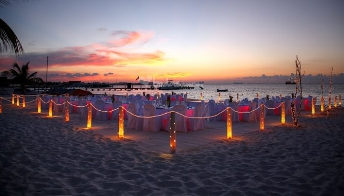 decoracion de una boda en la playa