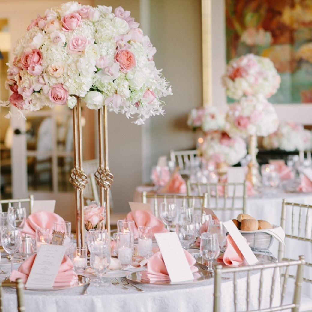 Imperdibles arreglos de mesas para bodas no te lo pierdas for Rosas de decoracion