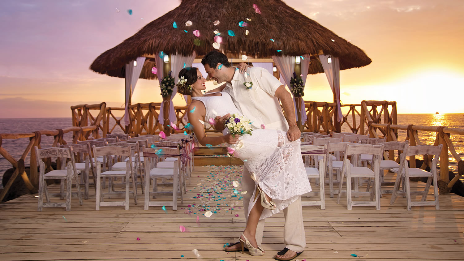 ideas de decoración de salones para bodas en la playa
